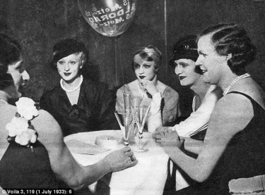 23628ACE00000578-2847643-Transvestites_having_drinks_in_the_Eldorado_club_that_was_not_hi-36_1416864938432.jpg