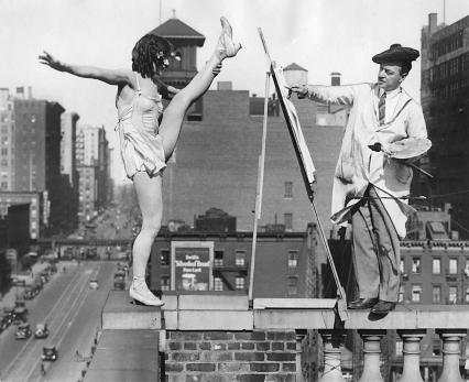 Painters at work, New York City, 1925.jpg