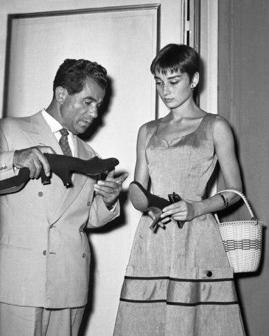 v-a-the-glamour-of-italian-fashion-sw-9-italian-style-vintage-va-ss05.jpg
